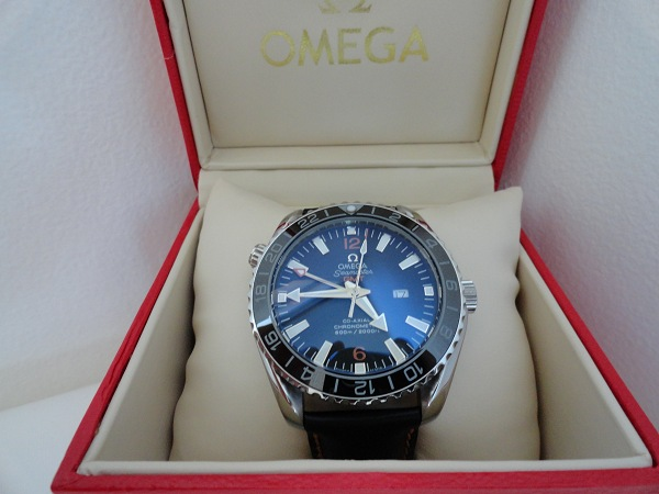 Omega Seamaster GMT replica watch